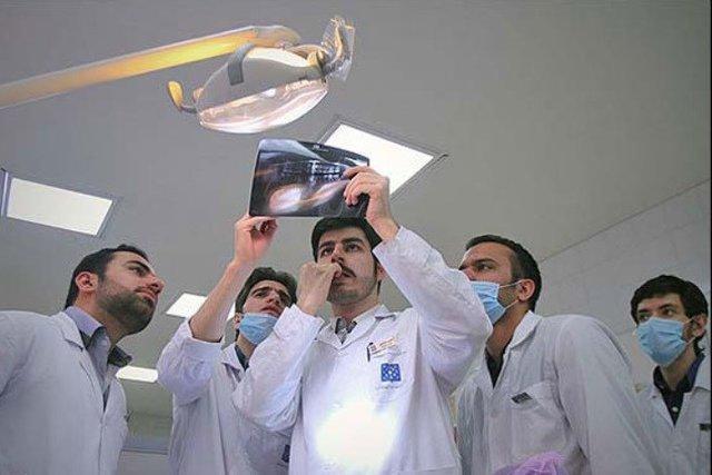 تأکید بر ضرورت حضور اعضای هیئت علمی در مراکز درمانی برای آموزش دانشجویان