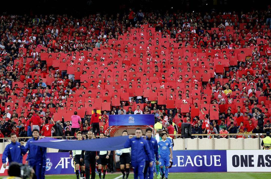 پاسخ فدراسیون به ادعای امضای تاج پای محرومیت باشگاه های ایرانی