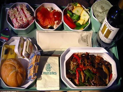 دنیای تولید و سرو غذا بر فراز آسمان-هواپیمایی امارات