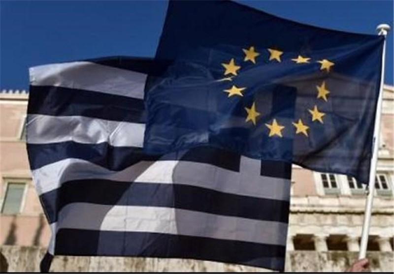 یونانی ها رای می دهند، اروپا به خود می لرزد