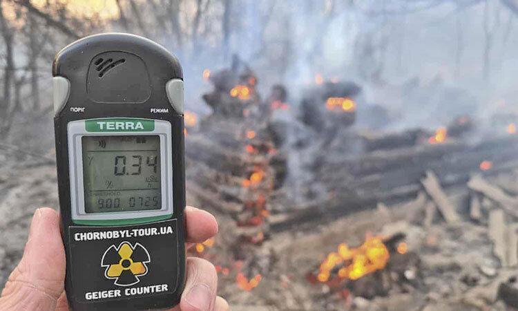 کرونا خطرناک تر است یا پرتو هسته ای؟ ، آتش در جنگل های پیرامون چرنوبیل