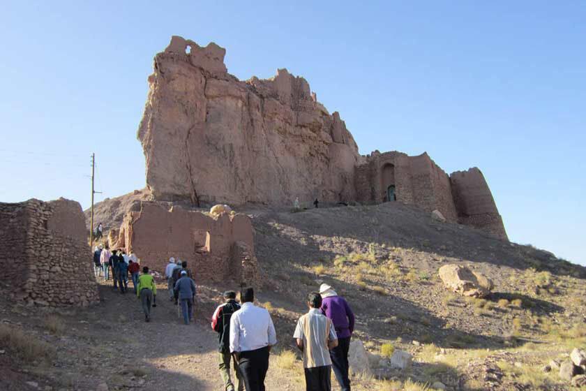 بازسازی کهن ترین قلعه سنگی و کوهستانی یزد