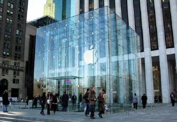 مخالفت اپل با انتشار بازیهای گوگل، فیس بوک و مایکروسافت
