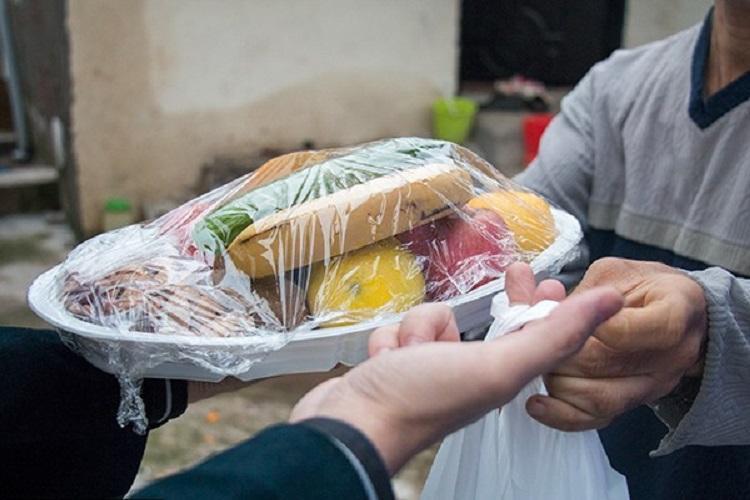 تامین مواد غذایی شب یلدا محرومان خراسان شمالی با یاری دانشجویان