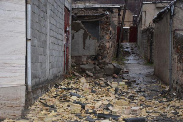 خسارت 80 درصد منازل مسکونی شهر سی سخت بر اثر زلزله
