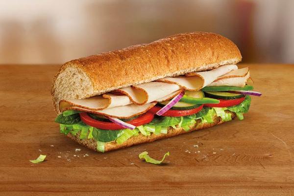 ساب وی(Subway) چگونه به یکی از معروفترین فست فودهای جهان تبدیل شد؟