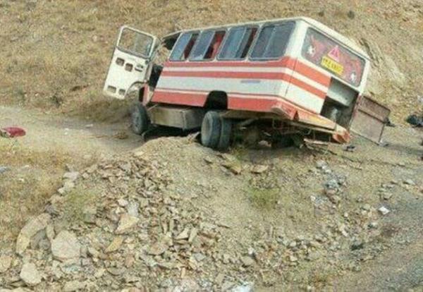 واژگونی مینی بوس با هفت مصدوم در محور کرمانشاه- اسلام آبادغرب